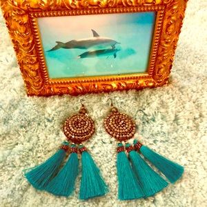 Stunning Free People Statement Earrings 🦋 NWT